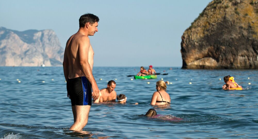 السياحة في القرم - شاطئ ياشموف