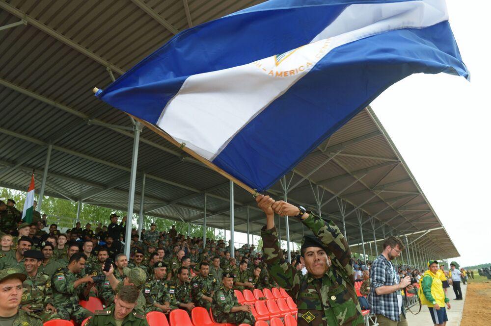 الألعاب العسكرية الدولية  أرميا-2017 في حقل ألابينو (سباق الدبابات)