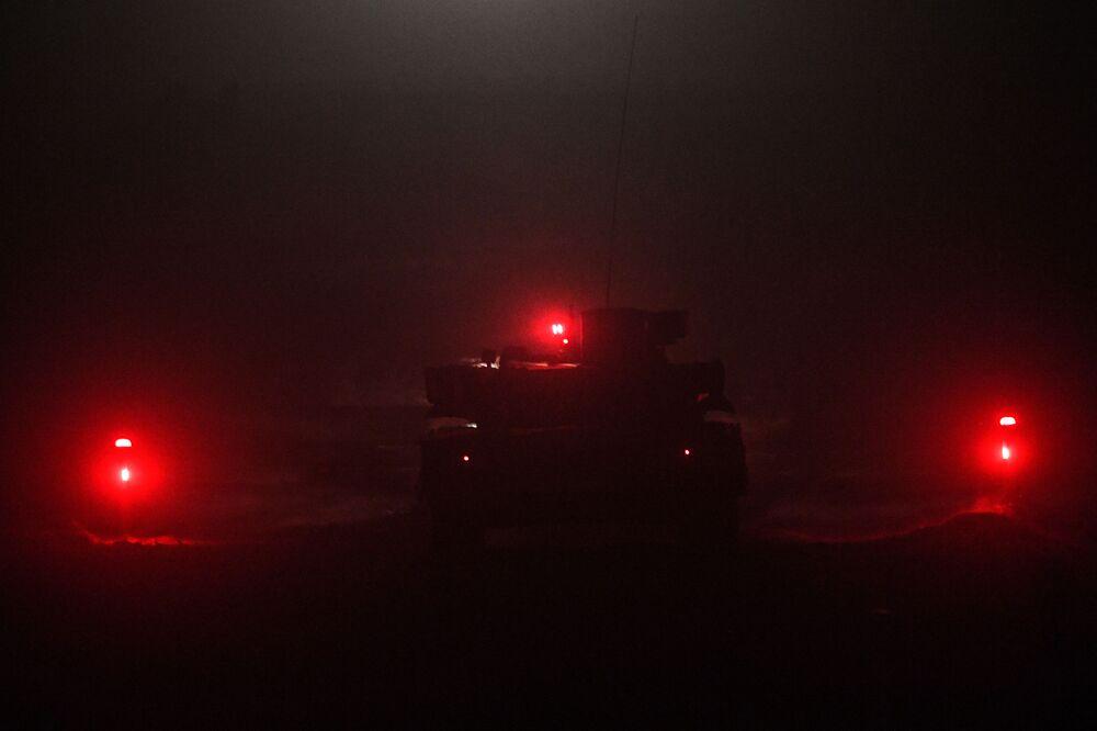المعرض الدولي لمنتدى أرميا-2017 في كوبينكا بضواحي موسكو - عرض ليلي للأسلحة العسكرية المتطورة