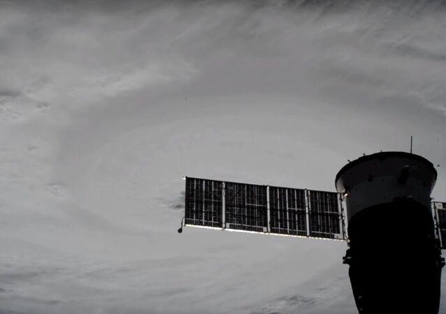 اعصار هارفي من الفضاء