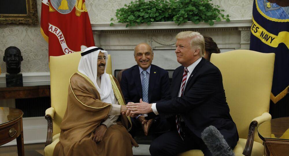 الرئيس الأمريكي دونالد ترامب وأمير الكويت الشيخ صباح الأحمد الصباح
