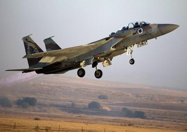 مقاتلة إسرائيلية من طراز إف-15 (صورة ارشيفية)
