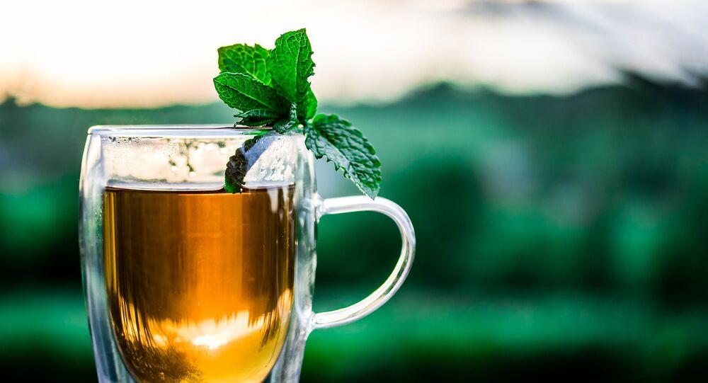 كأس من الشاي مع النعنع