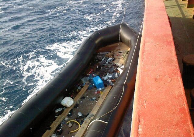 قارب مهاجرين