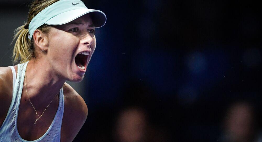 ماريا شارابوفا (روسيا) في المرحلة الأولى من بطولة الكرملين ضد  ماجدالينا ريباريكوفا (سلوفاكيا)