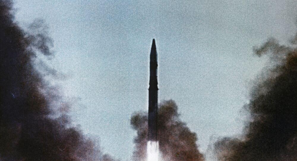 إطلاق صاروخ عابر للقارات