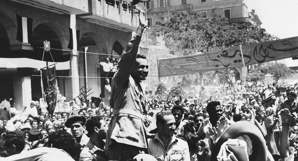 جمال عبد الناصر في مدينة بورسعيد عقب العدوان الثلاثي عام 1956