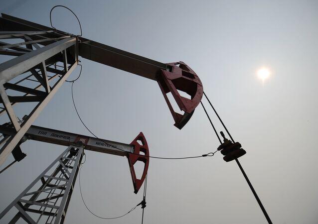 وحدة ضخ النفط