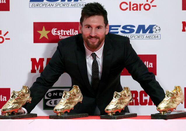 ميسي يفوز بجائزة الحذاء الذهبي للمرة الرابعة