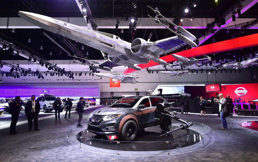 عرض السيارات لا أوتو شو 2017 في لوس أنجلوس - السيارة الجديدة Nissan Rogue، كاليفورنيا 29 نوفمبر/ تشرين الثاني 2017