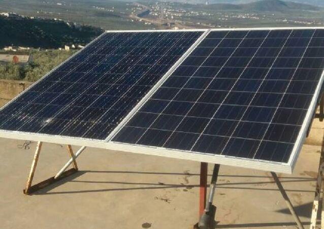أهالي إدلب يعتمدون على الطاقات الشمسية لتوليد الكهرباء