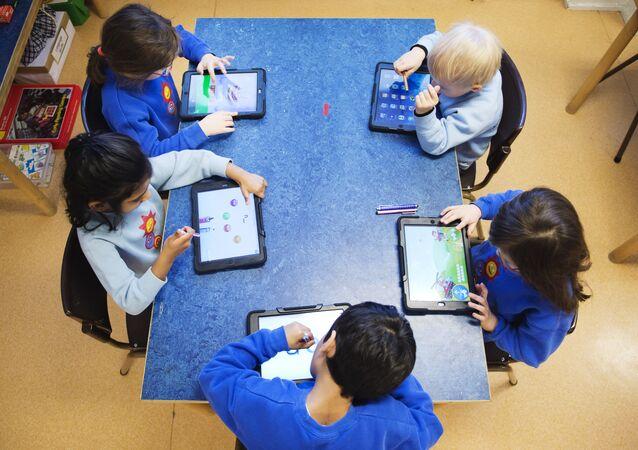 مدرسة - أطفال - دراسة