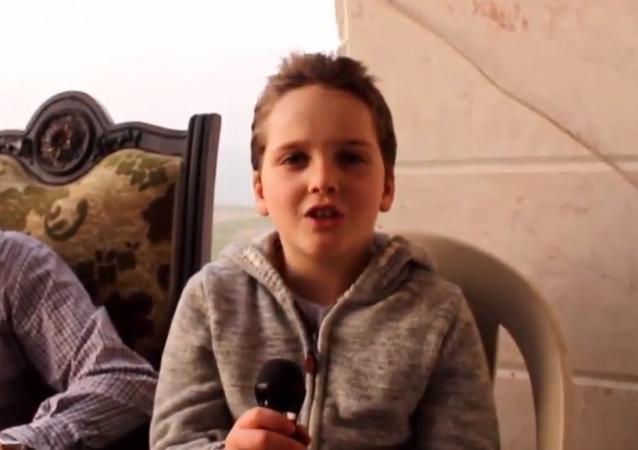 طفل سوري يظهر قواه الخارقة