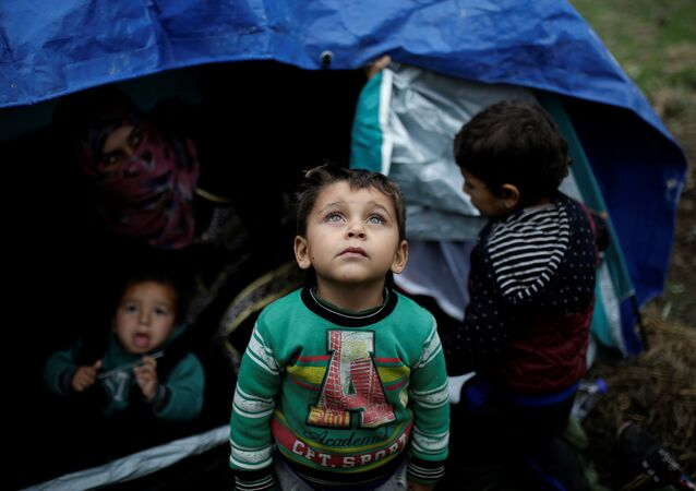 مخيم لاجئين سوريين