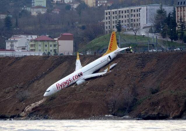 انزلاق طائرة تركية