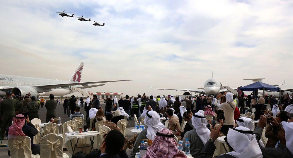 مروحيات القوات الجوية الكويتية خلال العرض الجوي في الكويت، 17 يناير/ كانون الثاني 2018