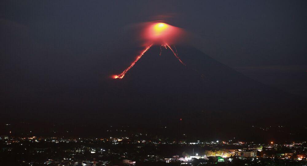 ثوران بركان مايون في الفلبين، 15 يناير/ كانون الثاني 2018