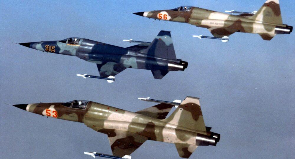طائرات إف-5
