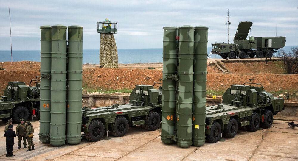 منظومة الدفاع الجوية إس-400 (تريومف) تصل سيفاستوبل، القرم، روسيا