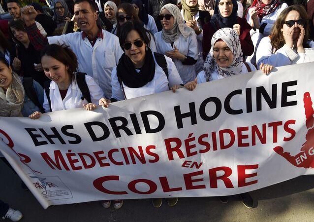مظاهرة للأطباء في الجزائر