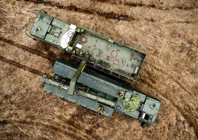 مناورات لمنظومة الصواريخ التكتيكية إسكندر-إم (صواريخ إر-500) في منطقة كراسنودارسكي كراي