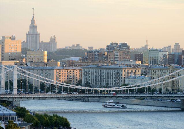 جسر كريمسكي (القرم) في موسكو