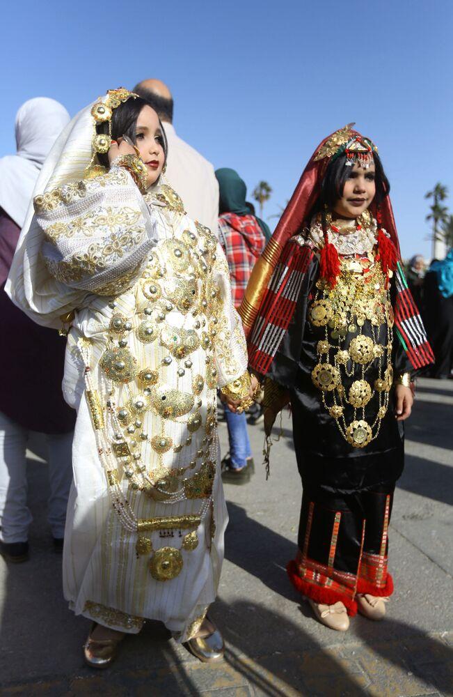 أطفال يشاركون في المهرجان الوطني للزي التقليدي في طرابلس، ليبيا 13 ماري/ آذار 2018
