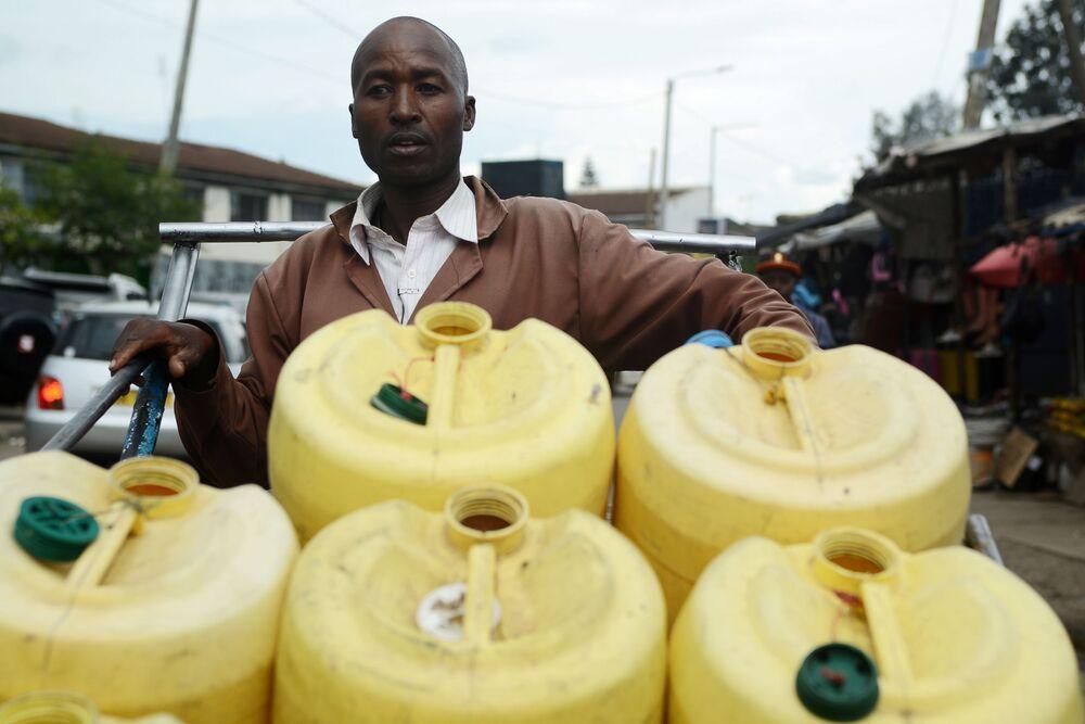 سامسون مولي (42 عاما) - بائع الماء في نيروبي 21 أبريل/ نيسان 2018