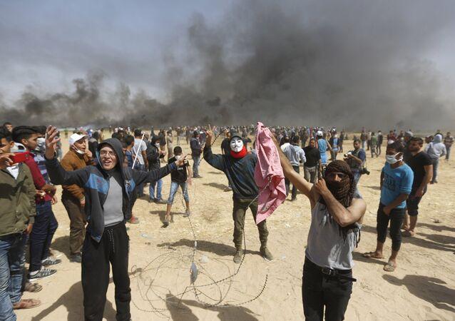 محتجون فلسطينيون في قطاع غزة، 4 مايو/ أيار 2018