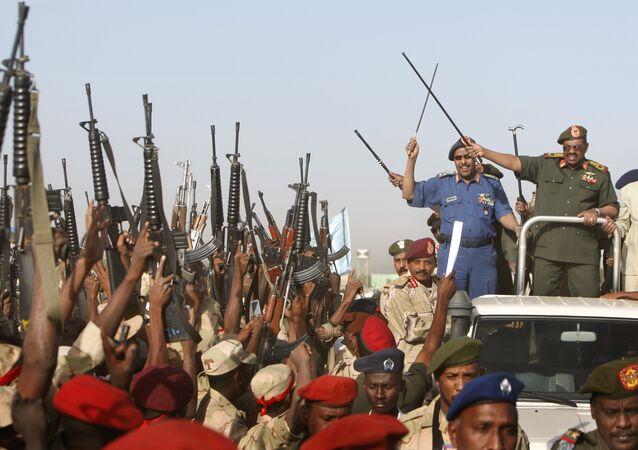 عمر البشير والجيش السوداني