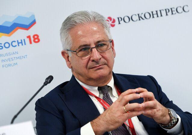 رئيس غرفة التجارة الأمريكية في روسيا أليكسيس رودزيانكو