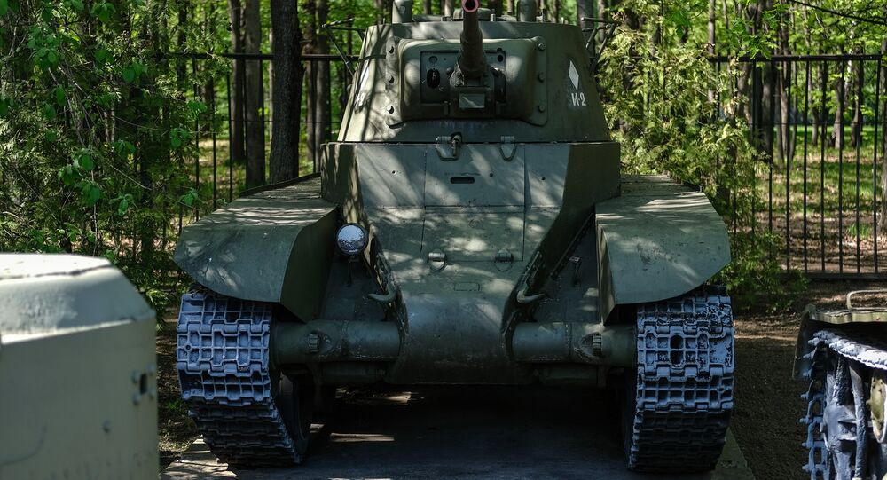 دبابة  بي تي 7 BT-7
