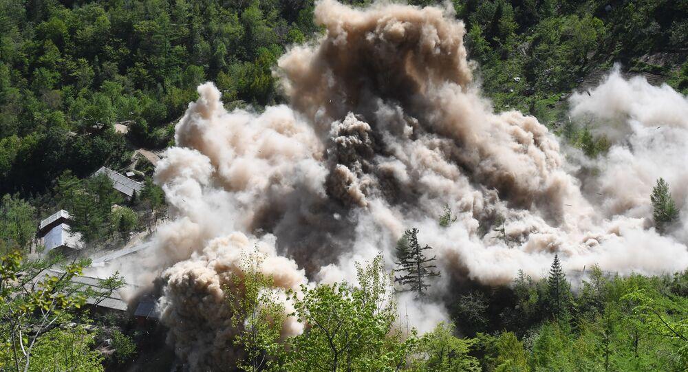 القضاء على موقع التجارب النووية في بيونغ يانغ في بيونغيري في جمهورية كوريا الشعبية الديمقراطية (كوريا الشمالية)