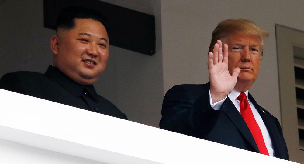 الرئيس الأمريكي دونالد ترامب والزعيم الكوري الشمالي كيم يونغ أون