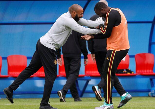 هنري و لوكاكو في الحصة التدريبية للمنتخب البلجيكي