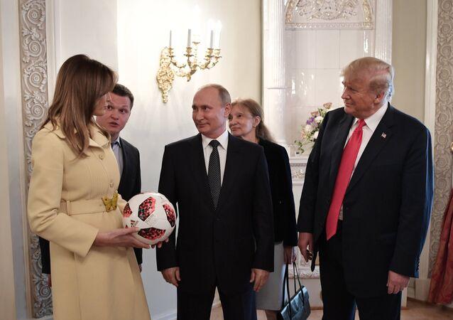 الرئيس فلاديمير بوتين يلتقي بالرئيس الأمريكي دونالد ترامب والسيدة الأولى ميلانيا ترامب، 16 يوليو/ تموز 2018