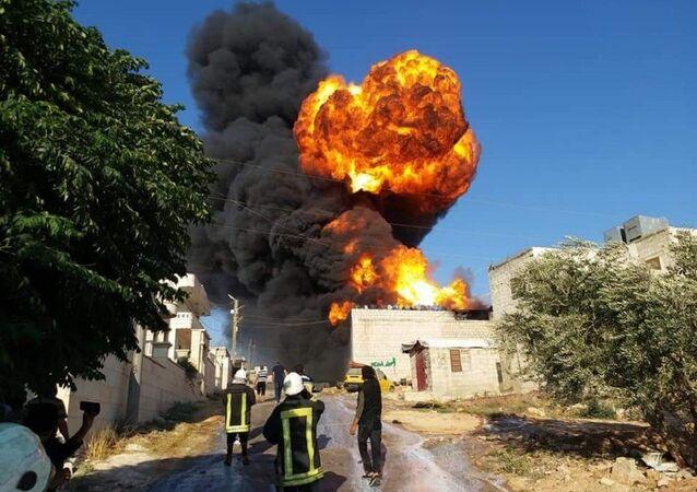 انفجار معمل للكلور في مناطق الإرهابيين في إدلب السورية