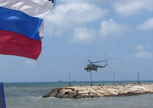 احتفال البحرية الروسية في قاعدة طرطوس