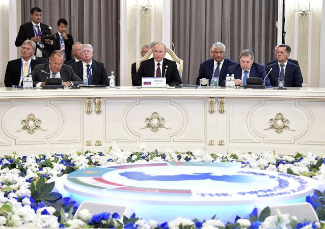 الرئيس الروسي خلال اجتماع قمة بحر قزوين
