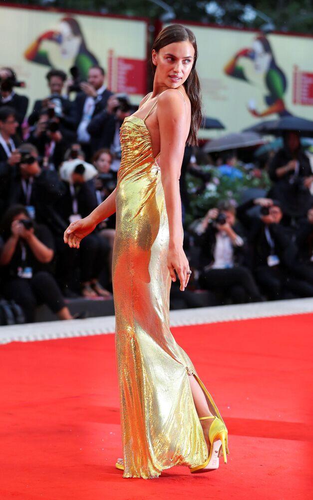 عارضة الأزياء الروسية إرينا شايك