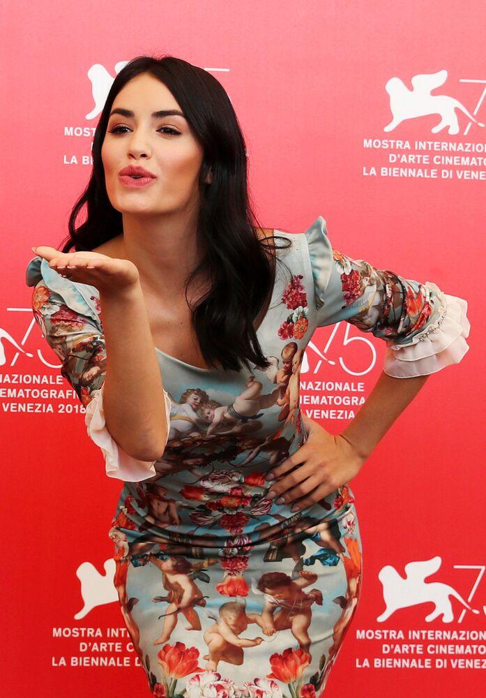 الممثلة ماريانا إسبوسيتي