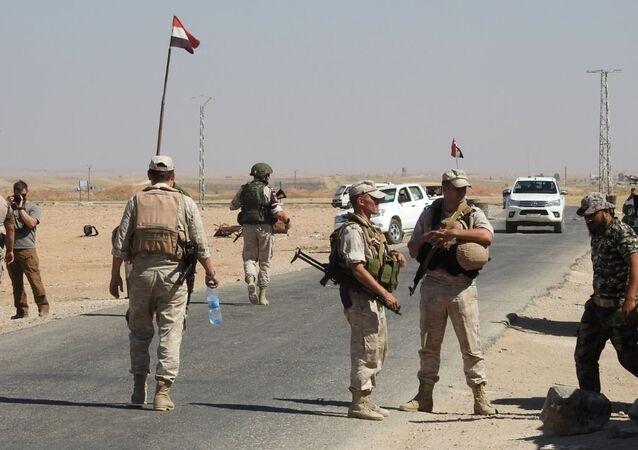 الصور الأولى للطرف الشرقي من معبر أبو الضهور في اللحظات الأولى لافتتاحه