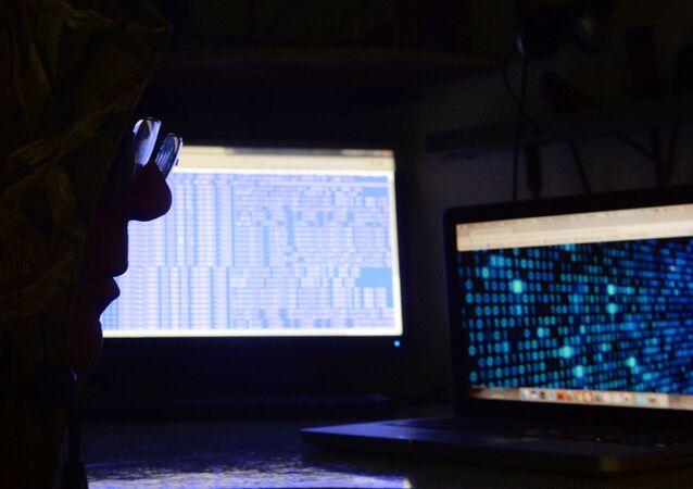 الجرائم الإلكترونية عبر الإنترنت