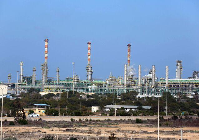 محطة مليته للنفط والغاز في ضواحي زوارة في غرب ليبيا