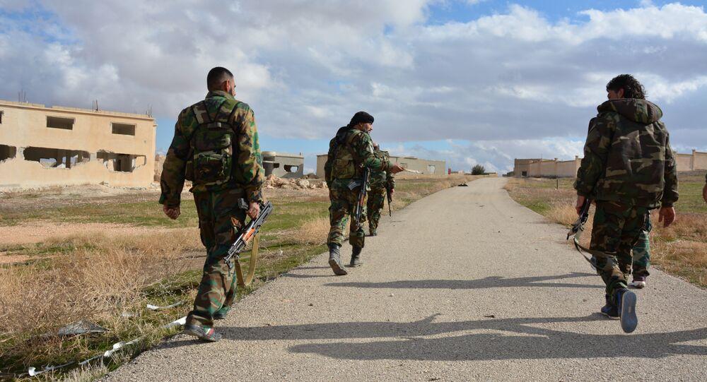 النصرة تنقل 5 أسطوانات كلور إلى جهة مجهولة بمحافظة إدلب