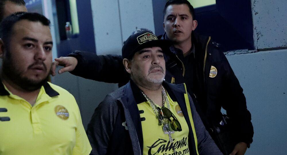 دييجو مارادونا