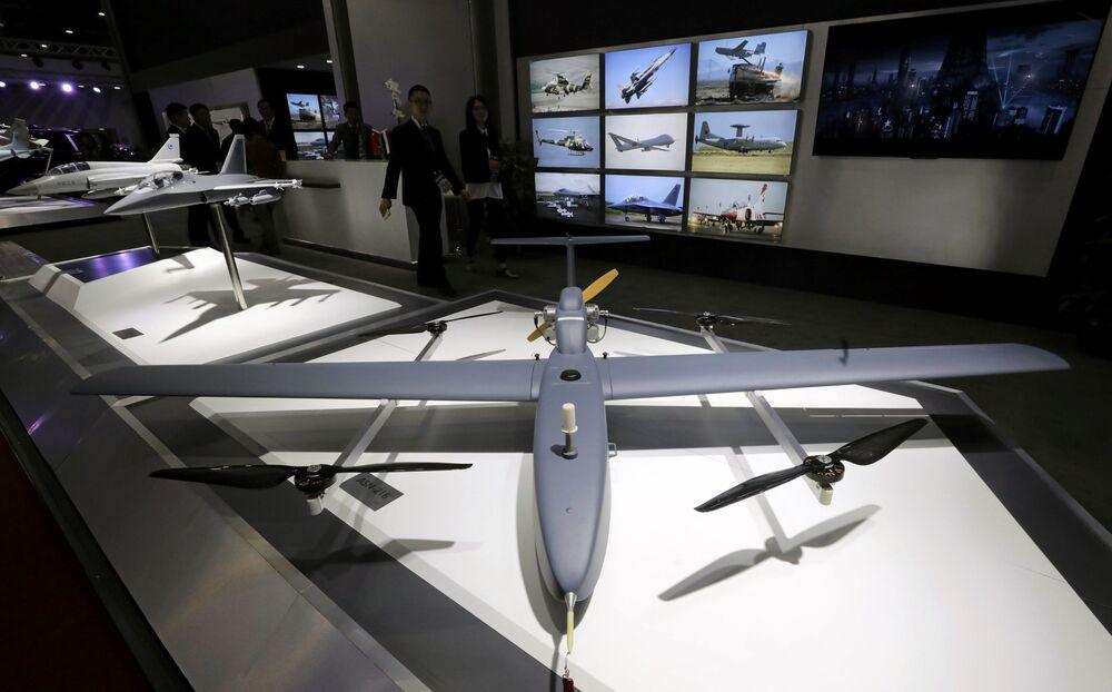 طائرة بدون طيار الجناح الصيني في معرض إيديكس 2018 في القاهرة، 3 ديسمبر/ كانون الأول 2018