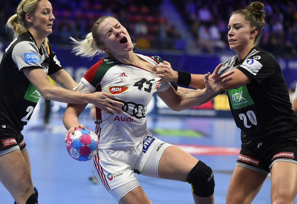 مبارة كرة اليد للنساء بين فريقي المجر وألمانيا، ضمن بطولة كأس أوروبا لكرة اليد للنساء لعام 2018، في مدينة نانسي الفرنسية 9  ديسمبر/ كانون الأول 2018
