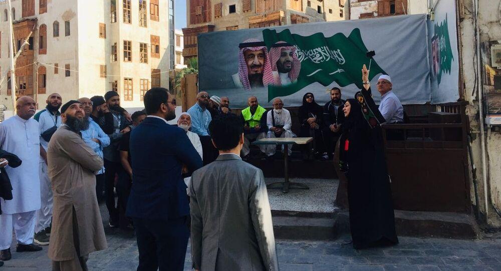 سعوديات يعملن في الإرشاد السياحي