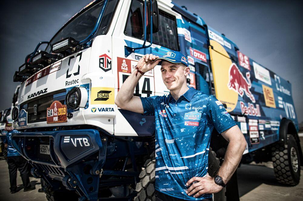 فريق روسيا كاماز-ماستير المشارك في سباق رالي داكار 2019 في بيرو، في فئة قيادة الشاحنات، قائد الفريق: دميتري سوتنيكوف